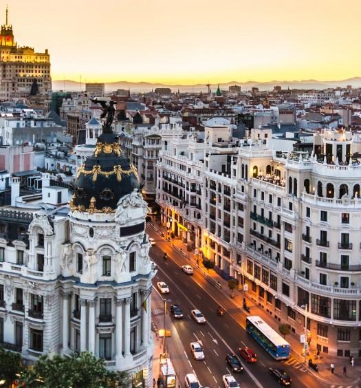 Vista aérea panorámica de la Gran Vía de Madrid